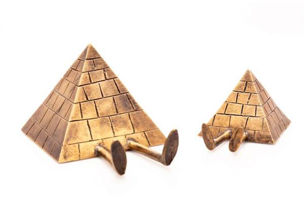 Kevin-Lyons-Case-Studyo-Bronze-True-Lulu-Pyramids-02