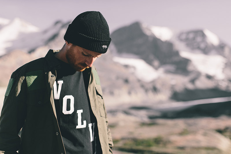 02-raised-by-wolves-panske-obleceni-zima-2014