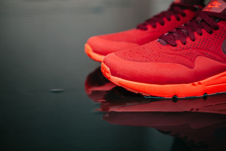 nike-air-max-1-ultra-moire-university-red-4