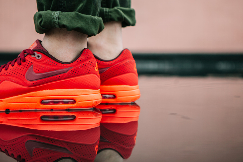 nike-air-max-1-ultra-moire-university-red-7