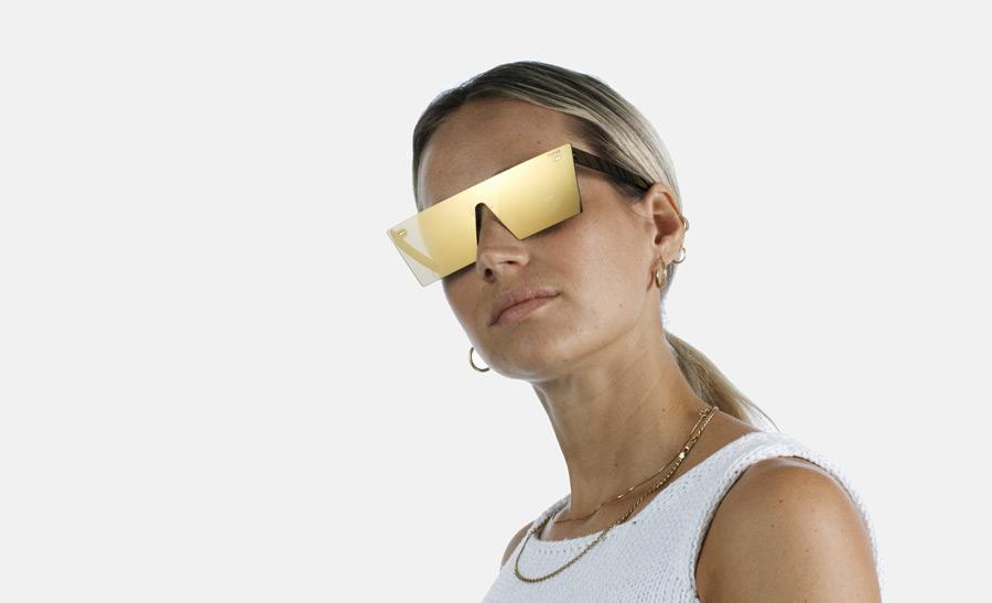 13-super-by-retrosuperfuture-retrofuturisticke-slunecni-bryle-bez-obroucek-moderni-zrcadlove-bryle-zlate-skla-zeiss